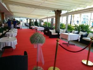 Hotel Balcon de Europa drinks reception 1