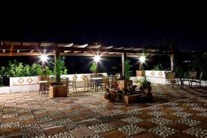 Terrace-Night-074