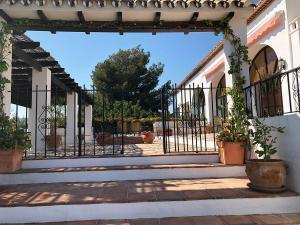Villa-Terrace-Entrance